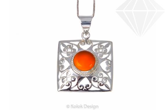 kolok.ro-Pandant pătrat din argint cu o piatră rotundă de carneol-KDP177-30