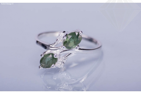 kolok.ro-Inel din argint cu pietricele din safir verde-7-KDI309-30