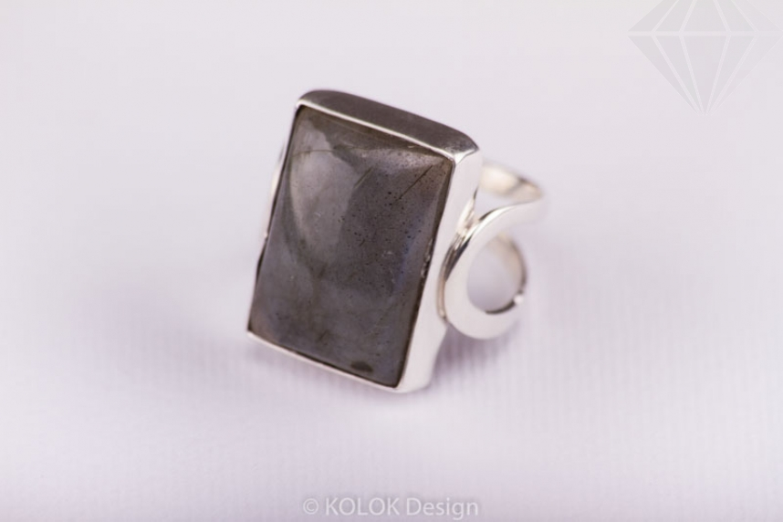 kolok.ro-Inel dreptunghiular din argint cu o piatră de labradorit-KONFI26-30