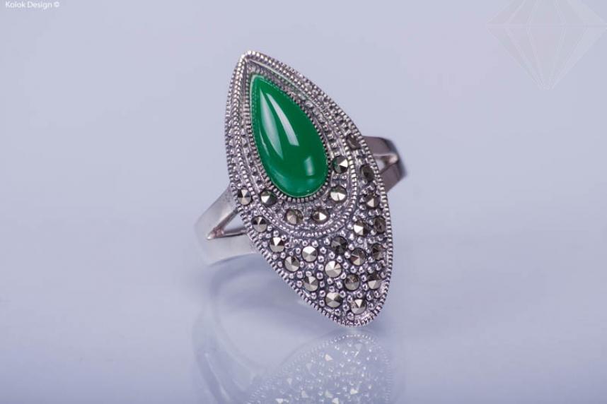 kolok.ro-Inel din argint în formă ovală cu agat verde și marcasite 7-KDI294-30