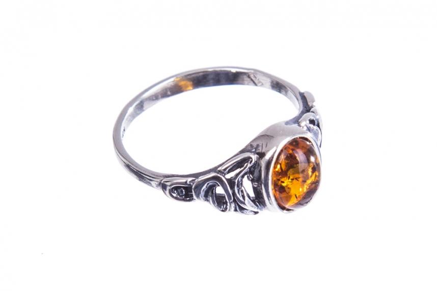 kolok.ro-Inel argint în stil vintage cu o piatră de chihlimbar coniac,7-KDUK230-00