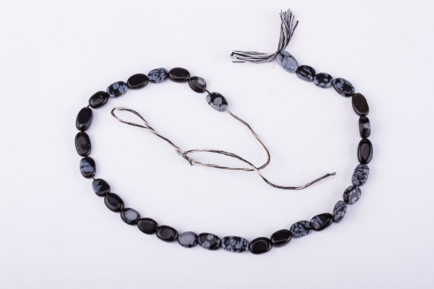 kolok.ro-Mărgele la șirag din obsidian fulg de nea oval, 10 mm-KDS153-02